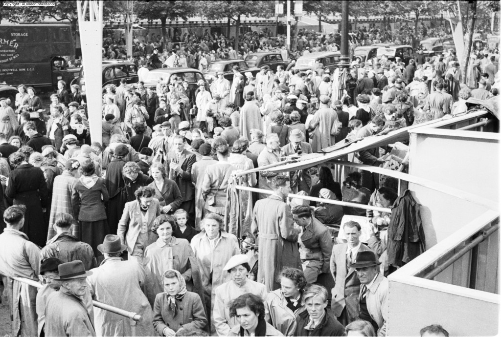 coronation crowd 1