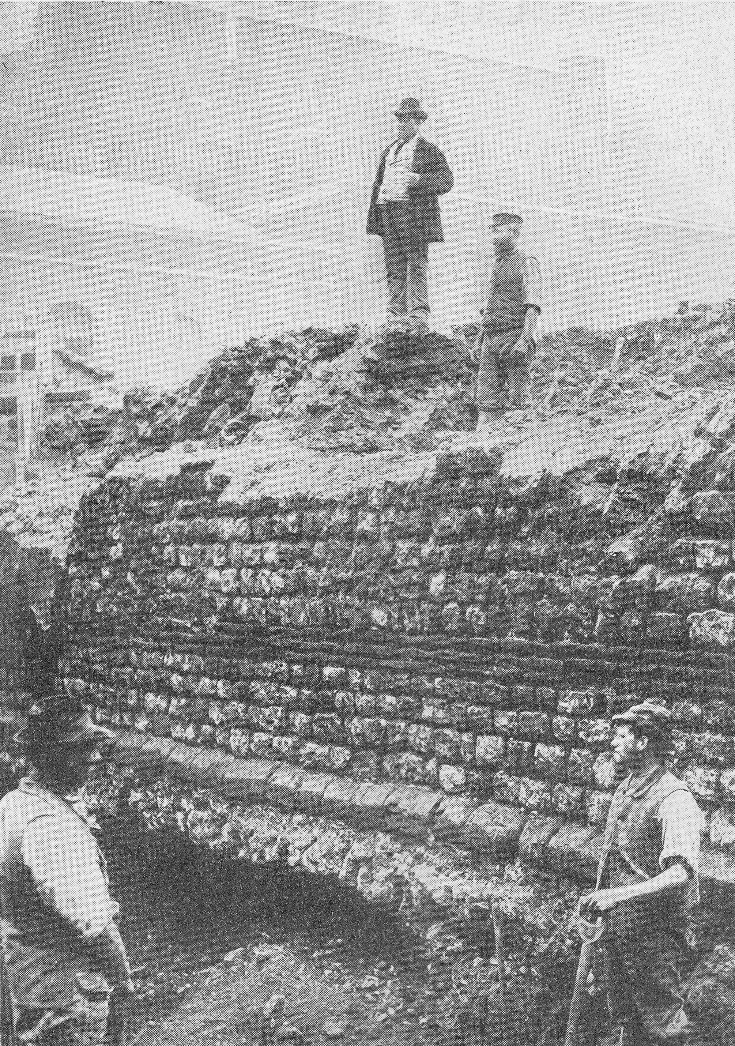The Roman Wall On Tower Hill A London Inheritance