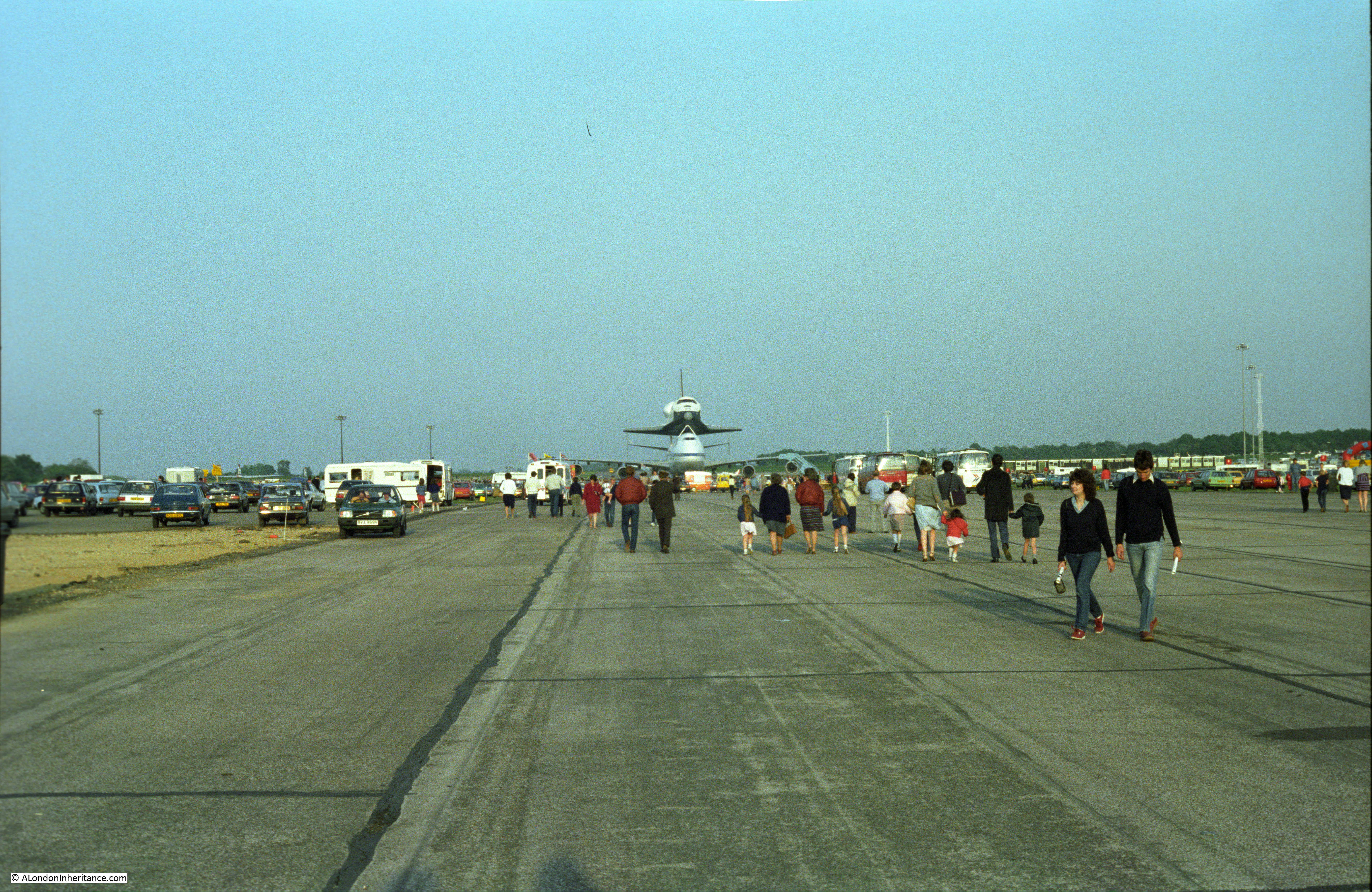 space shuttle landing at stansted - photo #22
