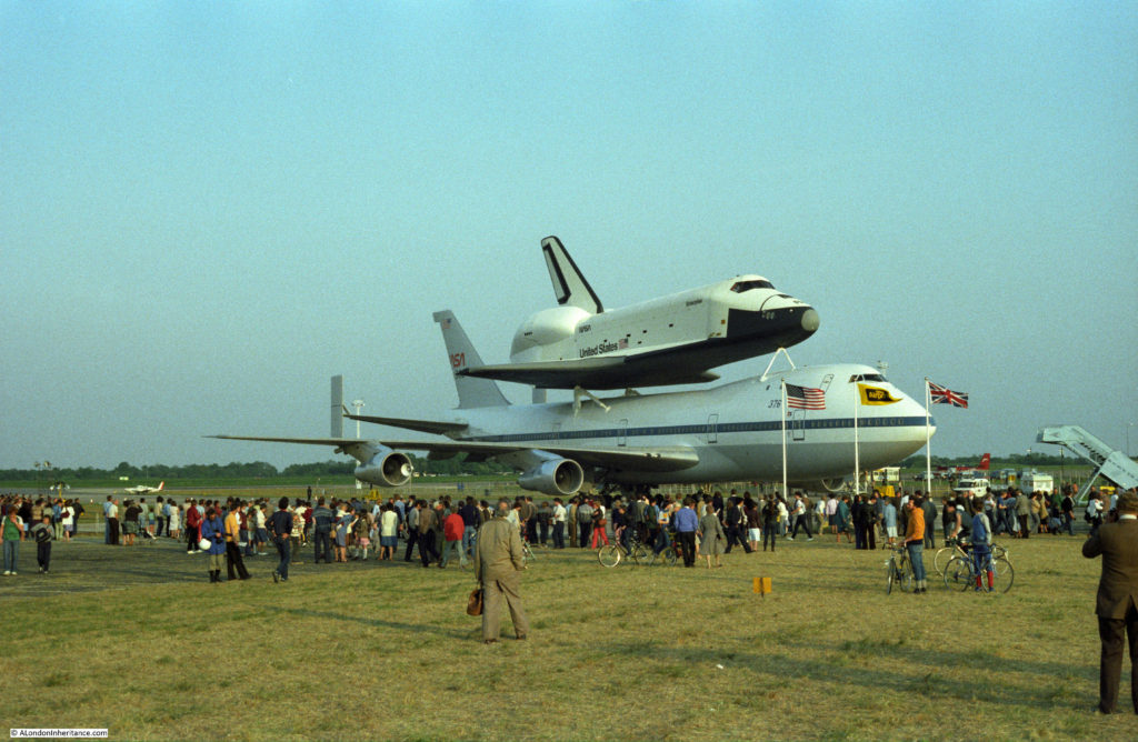 space shuttle landing at stansted - photo #6