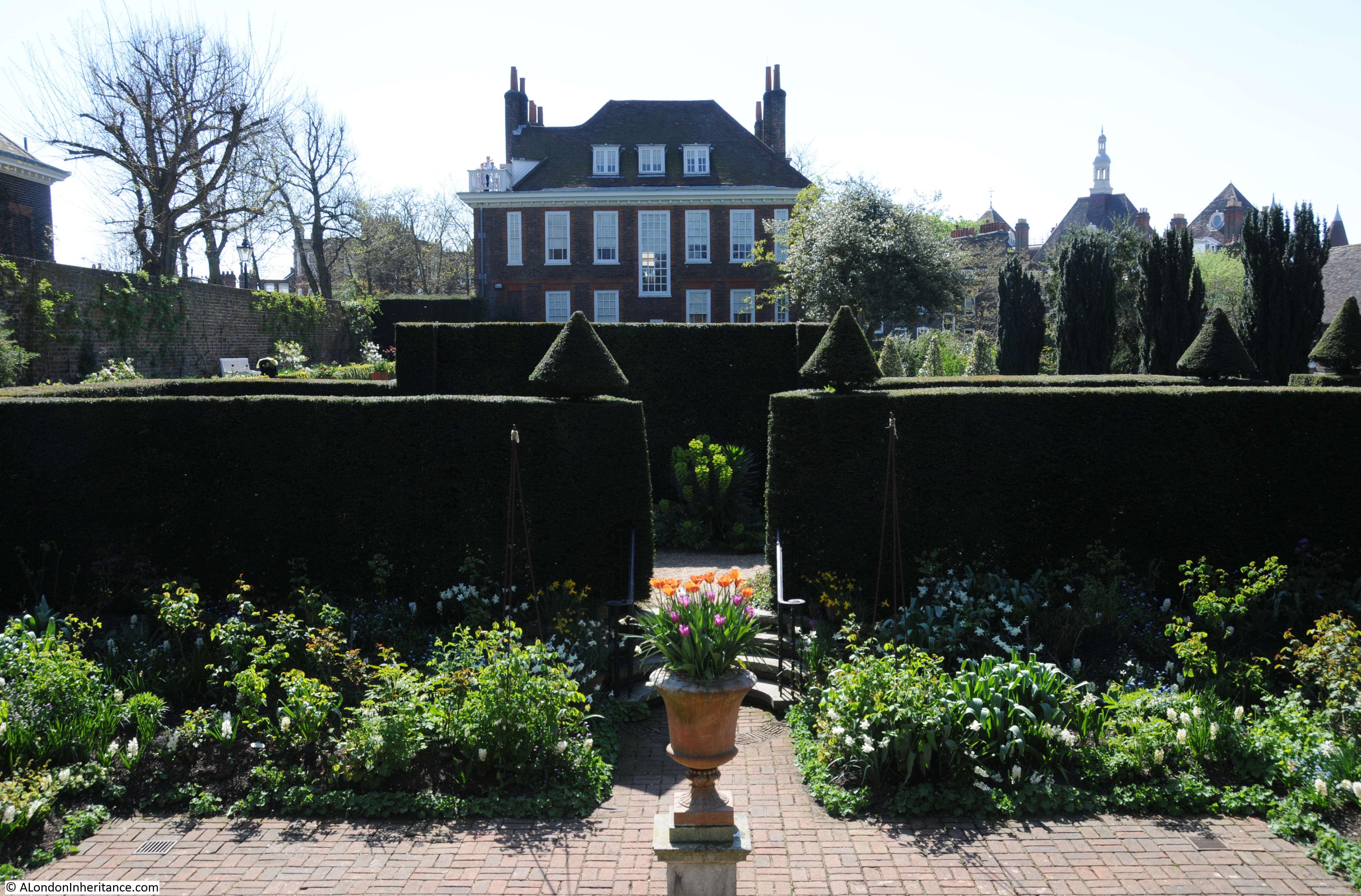 Fenton house hampstead a london inheritance for Tuxedo house
