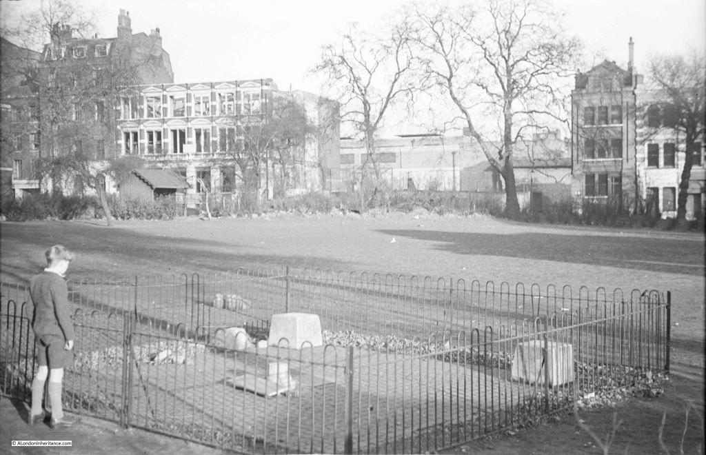 Trinity Square Gardens - Memorials To Execution And