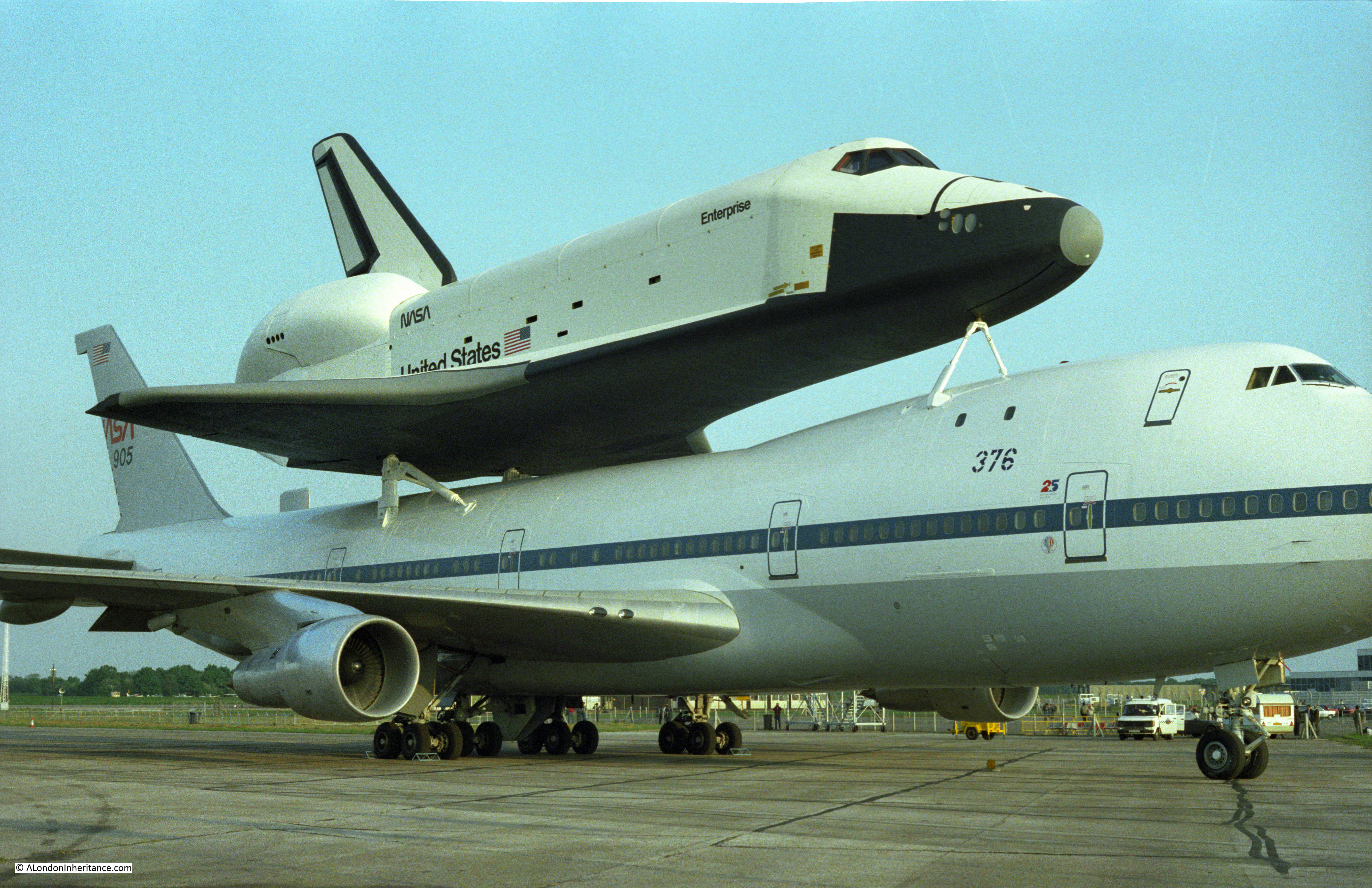 space shuttle landing at stansted - photo #10